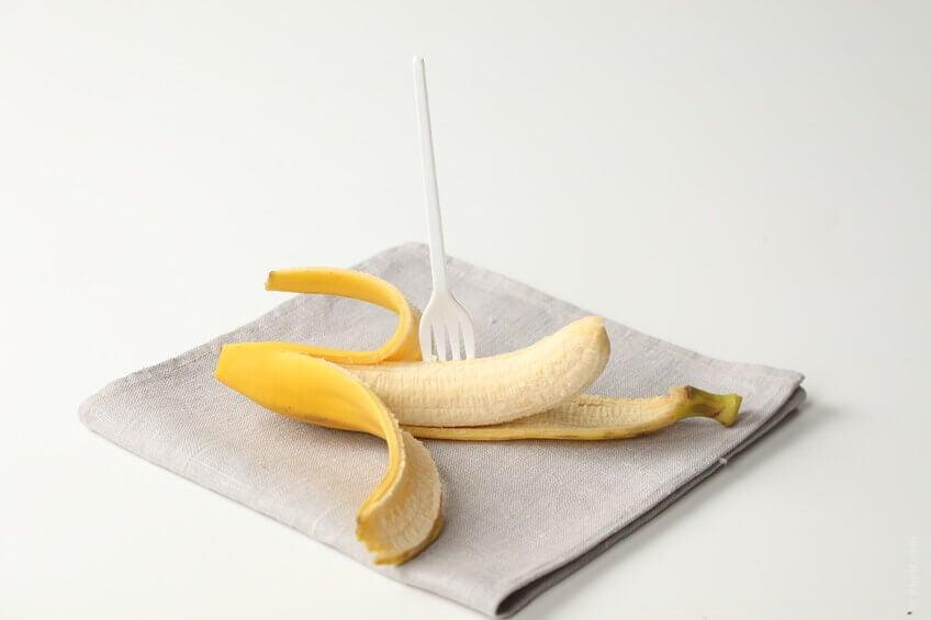 Banaanilla litteä vatsa