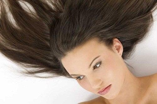 Näin nopeutat hiustesi kasvua