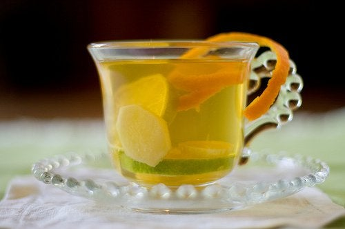 juoma sitruuna inkiväärin hyödyt