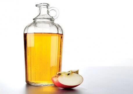 Omenaviinietikkapullo