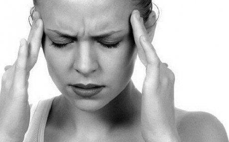 Vicks-voiteen käyttötavat ovat monimuotoiset, voit käyttää voidetta mm. helpottamaan päänsärkyä.