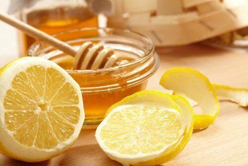 Sitruuna ja hunaja hyväksi kaulan iholle