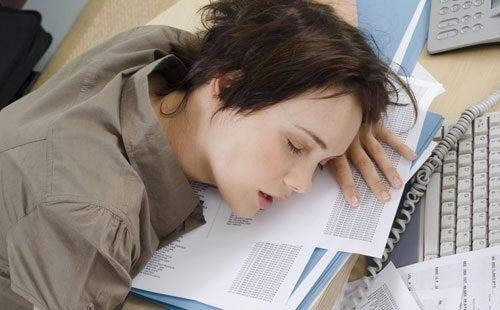 Töidenteko juuri ennen nukkumaanmenoa