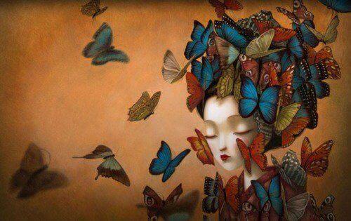 Tyttö perhosten päällystämänä