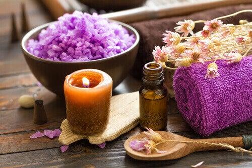 Aromaterapia parantaa kodin energiaa.