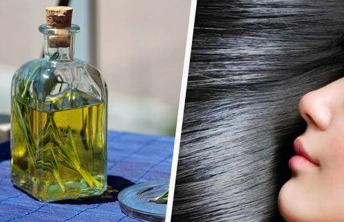 Hiusten kasvu rosmariiniöljyn avulla