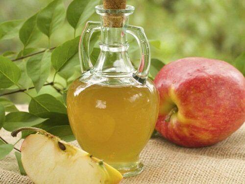 Omenaviinietikkaa hiusten kunnossapitoon