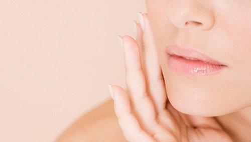 Supista ihohuokoset luonnollisesti