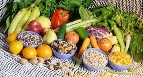 Alenna kolesterolia syömällä hedelmiä ja vihanneksia