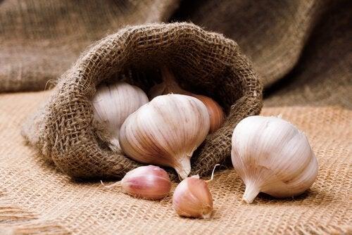 Kolesteroli hallintaan valkosipulin avulla