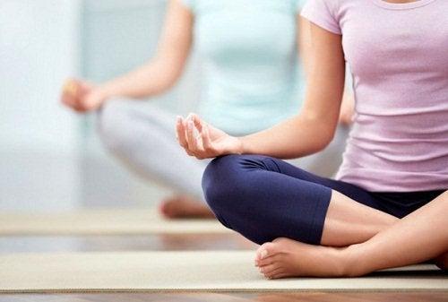 Liikunta pitää mielen virkeänä.