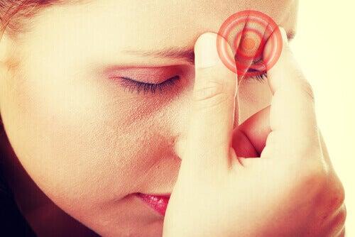Naiset kärsivät enemmän migreenistä kuin miehet.