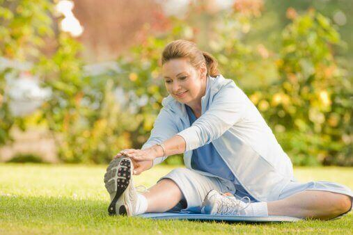 Liikunta vyötärön kaventamisen apuna.