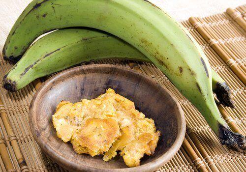 Banaani raakana on vähemmän makea.