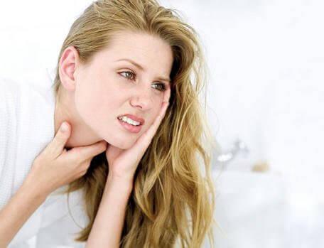 Vaaralliset oireet kurkkukipu