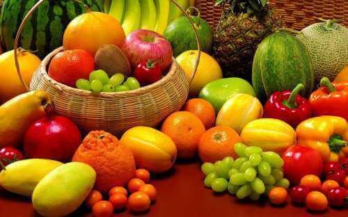 syö terveellisesti voidaksesi ehkäistä valkoiset läiskät iholla