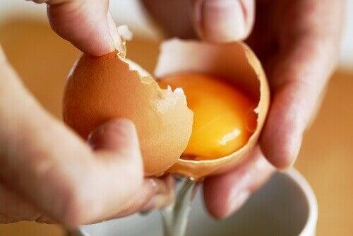 kananmuna hoitaa paiseet