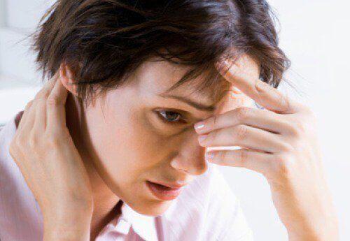 Pitkään jatkunut ahdistuneisuus voi aiheuttaa terveysongelmia.
