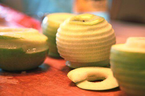 Omena auttaa valmistamaan kehoa unille.