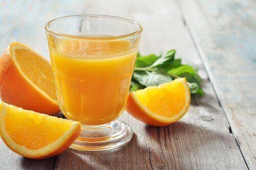Appelsiinimehusta rautaa