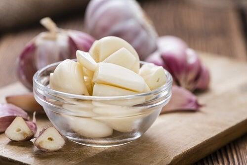 kolesterolijäämät kuriin valkosipulilla