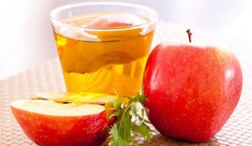 Omenaviinietikka kasvovesi