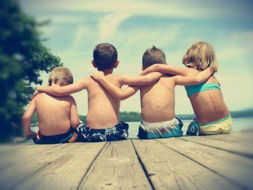 Nuorekkaat aivot ystävien avulla