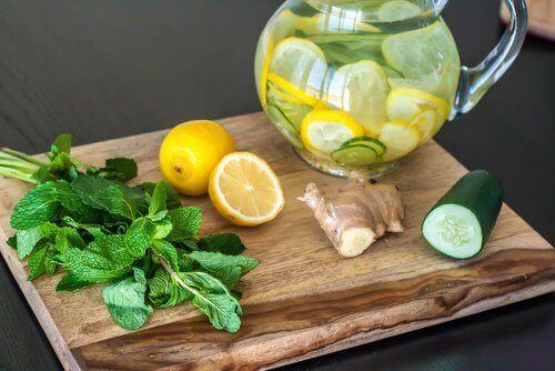 Detox-kuuri: sitruuna, kurkku ja inkivääri