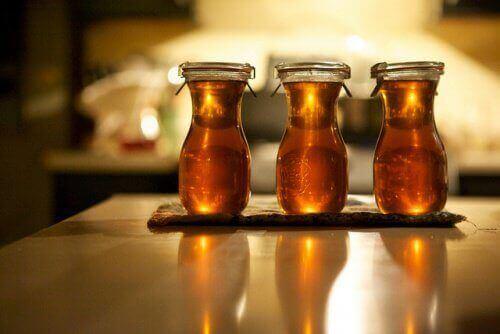 Rosmariinihunajassa yhdistyvät kahden terveellisen tuotteen ominaisuudet