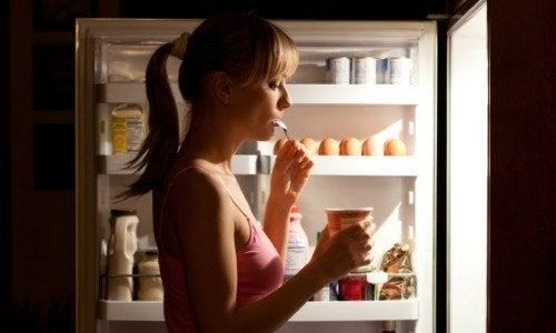 nälkä voi johtua hormonien epätasapainosta