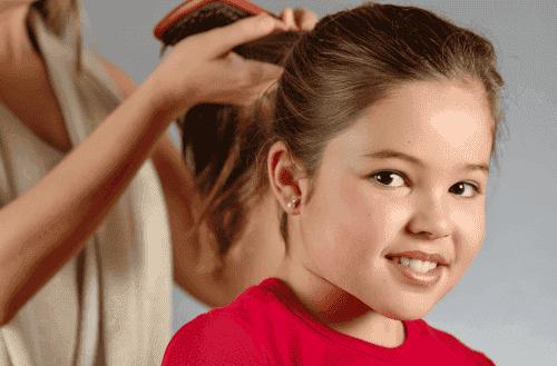 Miten lapsen hiuksia tulisi hoitaa?