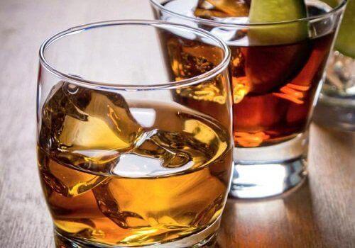 Munuaisia vahingoittavat tavat alkoholi