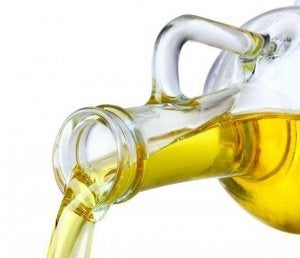 oliiviöljy ja valkosipuli hoitavat suonikohjuja