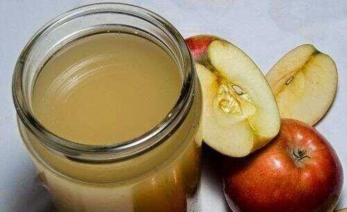 Omenaviinietikka ja hunaja hunajasosepurkki