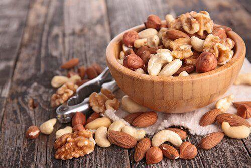 alenna verensokeria syömällä pähkinöitä