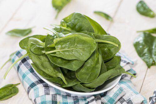 parhaat kasvikset laihduttajalle: pinaatti