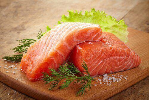 alenna verensokeria syömällä rasvaista kalaa