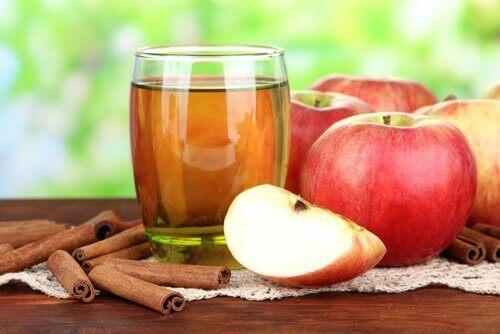 omenaviinietikka maksan ja sappirakon toiminnan parantamiseen