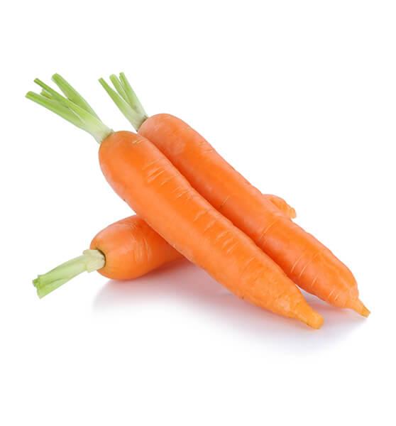 Voit valmistaa kotitekoista kasvovettä porkkanasta.