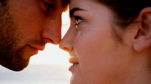 Pupillit suurenevat kun ihminen katsoo rakkautensa kohdetta