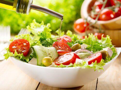 Kasvikset ovat merkittävässä roolissa ruokapyramidissa.