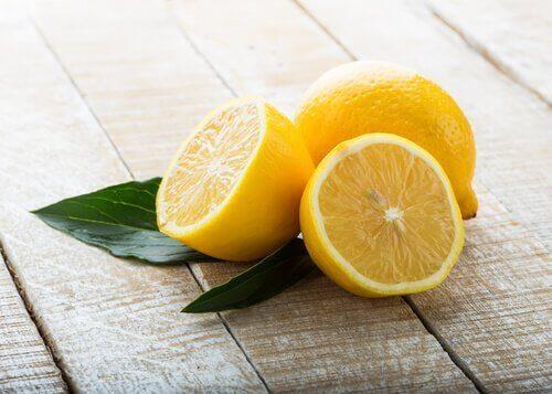 selätä päänsärky sitruunalla