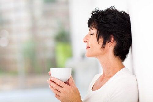 naisella apuna luonnolliset hoitokeinot