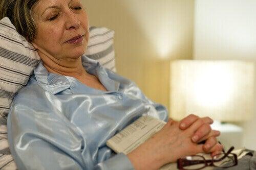 täysi vai tyhjä vatsa ennen nukkumaanmenoa
