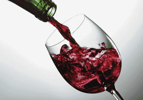 Lasillinen punaviiniä vastaa tunnin kuntoilua
