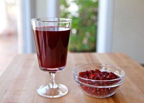 Granaattiomena on täynnä antioksidantteja.