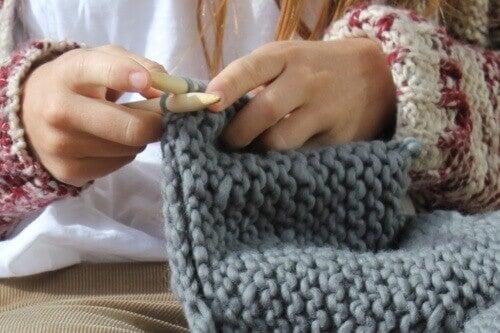 Lankaterapiaa: neulomisen hyödyt