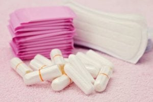 Jopa 85 % naisten hygieniatuotteista sisältää glyfosaattia