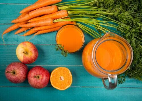 Smoothiet iholle porkkana ja omena