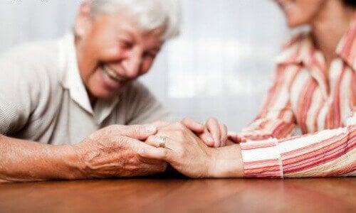 Mummo ja hänen hoitajansa
